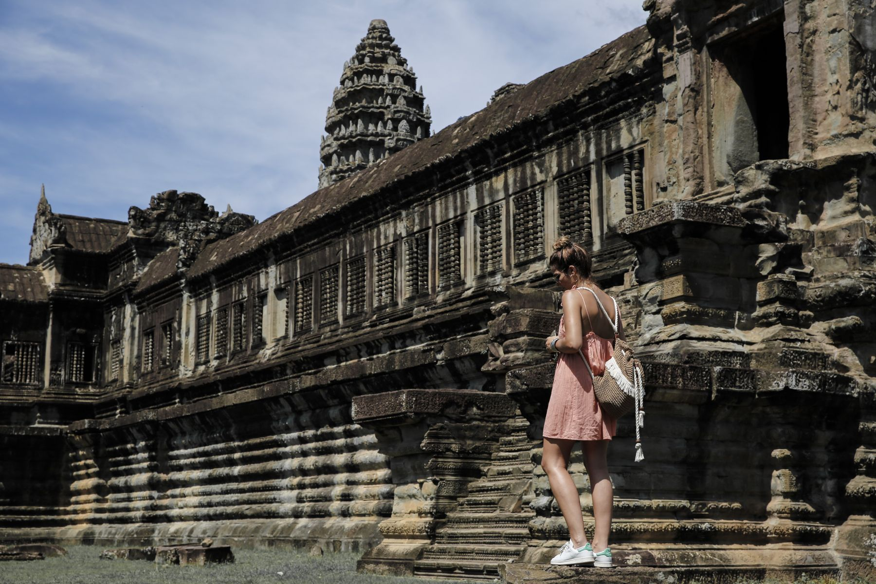camboya cambodia angkor wat trendy taste summer trip outfit look dress sneakers stan smith vestido zapatillas asos adidas _5