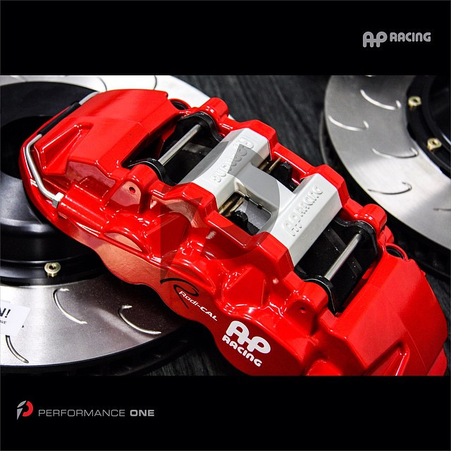 AP Racing Radi-CAL Brake kit: 6-piston front caliper w/14.5