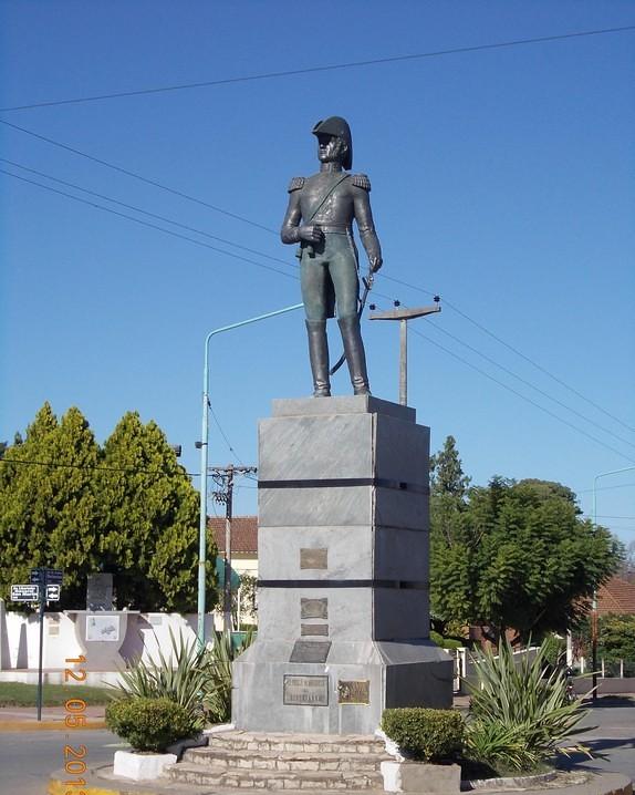Monumento a San Martín en Arrecifes, Provincia de Buenos Aires   by Sanmartiniano, Instituto Nacional