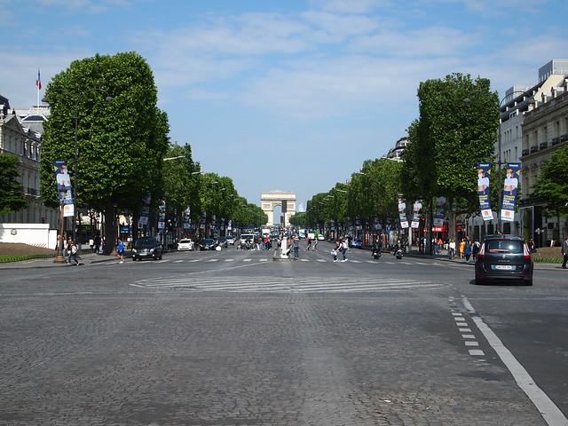 P5281824 シャンゼリゼ大通り L'Avenue des Champs-Élysées パリ フランス paris france
