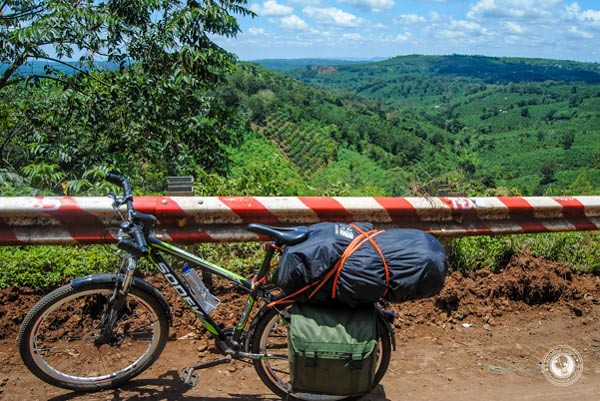 Cycling-Ho-Chi-Minh-Trail.jpg