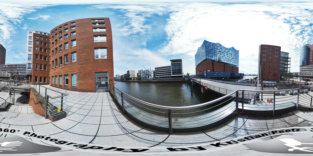 360° View of the Elbphilarmonie in Hamburg