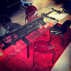 Superbe The All Black Astrolab Dining Table Perfectly Complimented By The Red/black  Loop Chairs ...