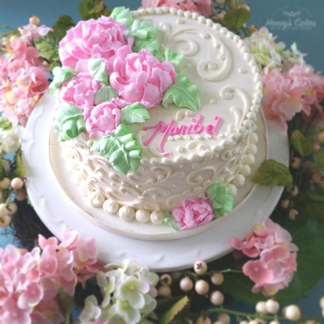 Buttercream flowers on a pretty buttercream cake cakelov Flickr