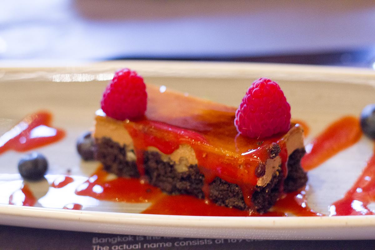 salted-caramel-chocolate-slice-busaba-manchester