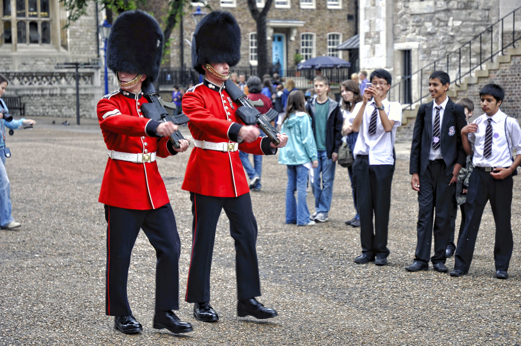 Grenadier Guards At The Tower Of London Martin Carey Flickr