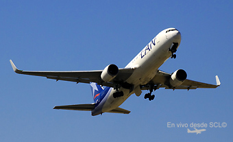 LAN B767-300ER CC-CWH take off (RD)