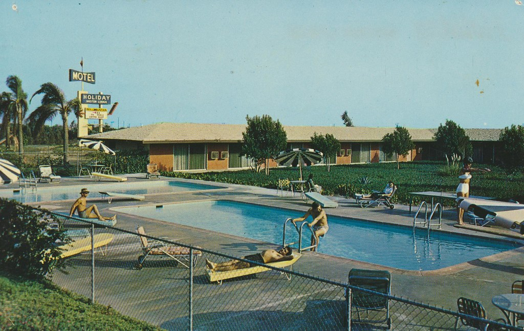 Holiday Motor Lodge - Montclair, California