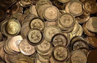 Okpay Accept Bitcoin Logo