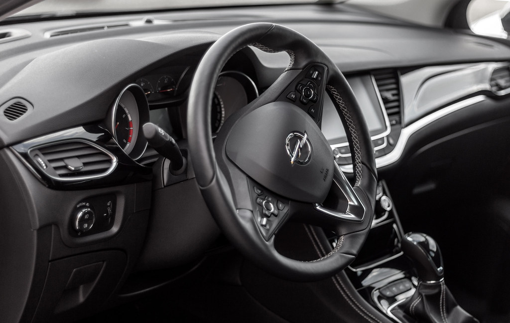 Opel Astra K Interior   Not the best light condition, but im…   Flickr