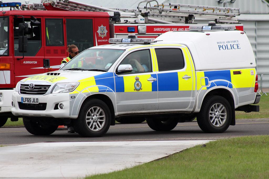Toyota Hilux Raf Police Lf65jlo Raf Cosford Air Show 19 Ju Flickr