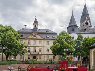 Rathaus und evangelische Kirche in Kirn