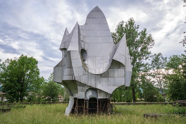 Susnjar Monument