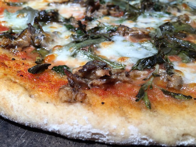 Oil Sardine/Herbs Pizza