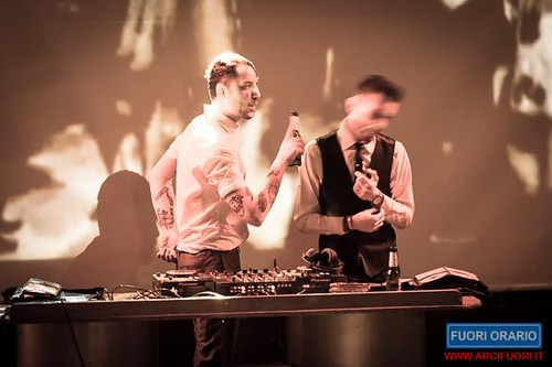 28/03/2015 Twist and Shout al Fuori Orario
