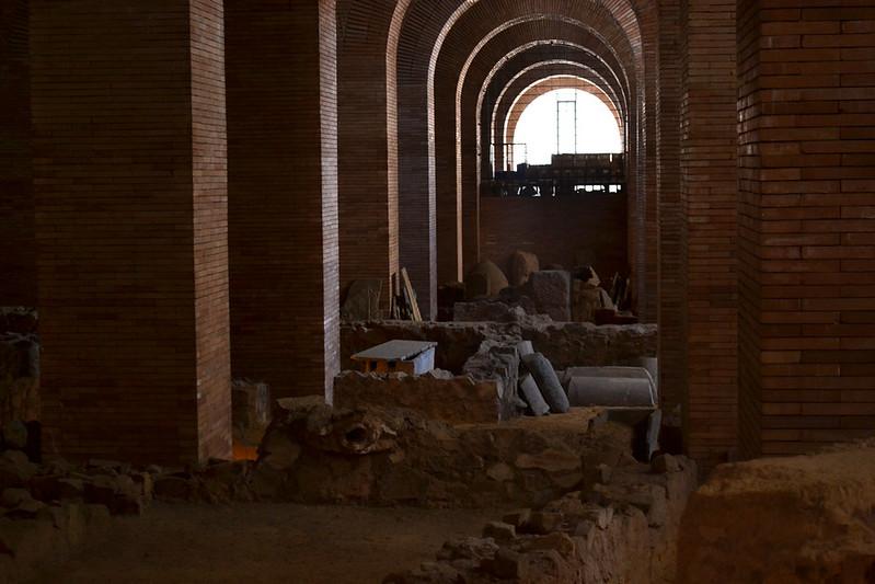 La planta sotano es un autentico almacen de materiales romanos.