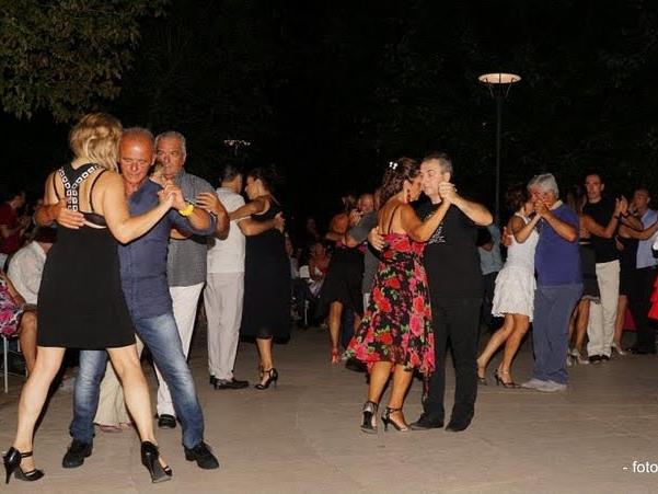 tango in piazza XX settembre