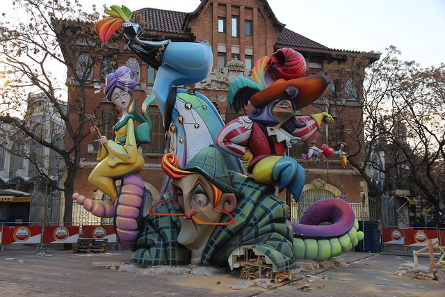 Plantà 2015 - Falla Plaza del Mercado Central