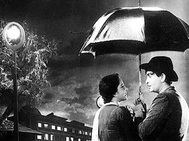 राजकपूर और नरगिस पर बारिश में फिल्माया गया गीत
