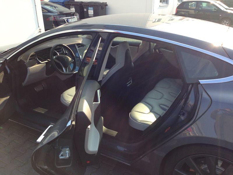 Tesla Interieur mit Leder Model S | Blick in den hochwertige… | Flickr