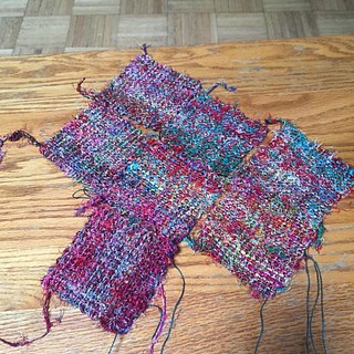 "#loomette #squares from #sariyarn using #crochettwist for the last ""layer""."