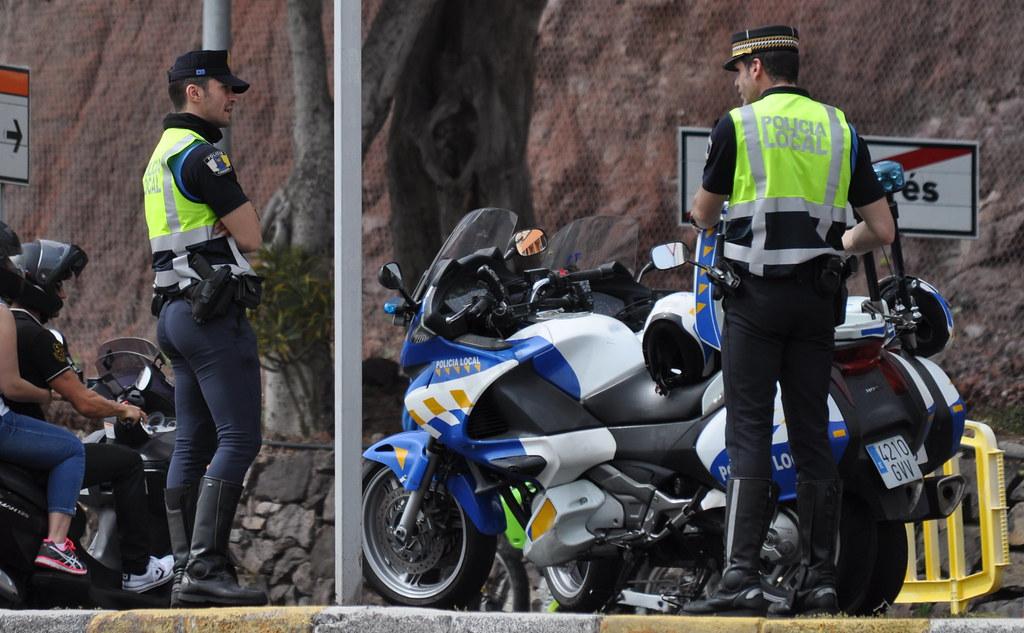 Resultado de imagen de Policía Local de Santa Cruz de Tenerife