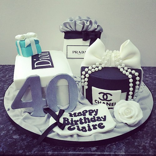 Yesterdays fabulous 40th Birthday Cake for Claire with her favourite ...