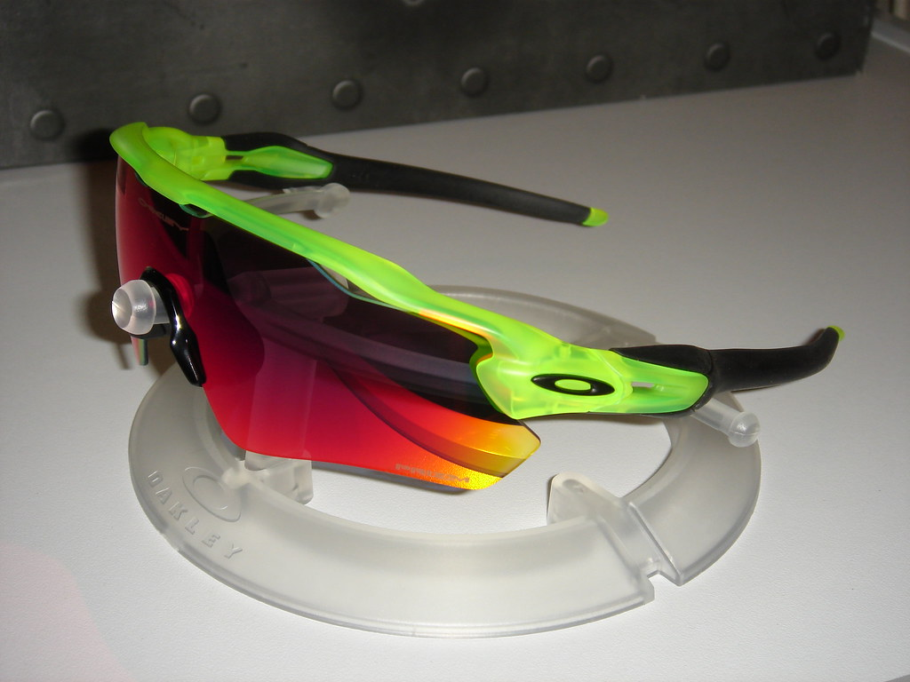 oakley radar ev path prizm road uranium