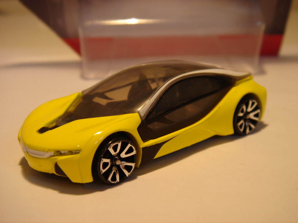 Cr Bmw I8 1 64 Not A Hot Wheels Copy As Such But Certainly Flickr