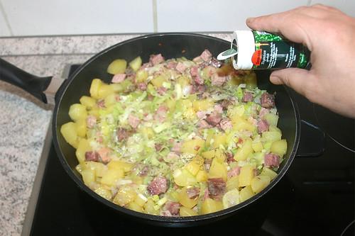 40 - Mit Salz, Pfeffer & Thymian abschmecken / Taste with salt, pepper & thyme