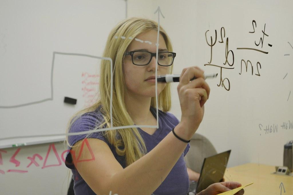 """Résultat de recherche d'images pour """"teacher in physics"""""""