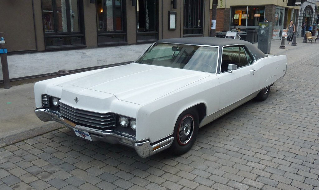 My White Gloved Beast 1970 Lincoln Continental Looks Bett Flickr