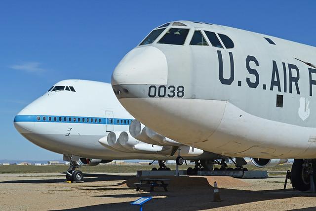 Boeing 'Heavies'! (B-52F '70038' & 747SR 'N911NA')