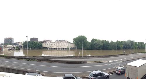 Ile de puteaux inondation pont de neuilly christophe for Piscine ile de puteaux