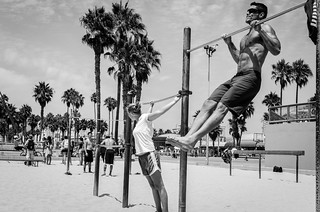 Pull-ups vs Stretching | by Emilien ETIENNE