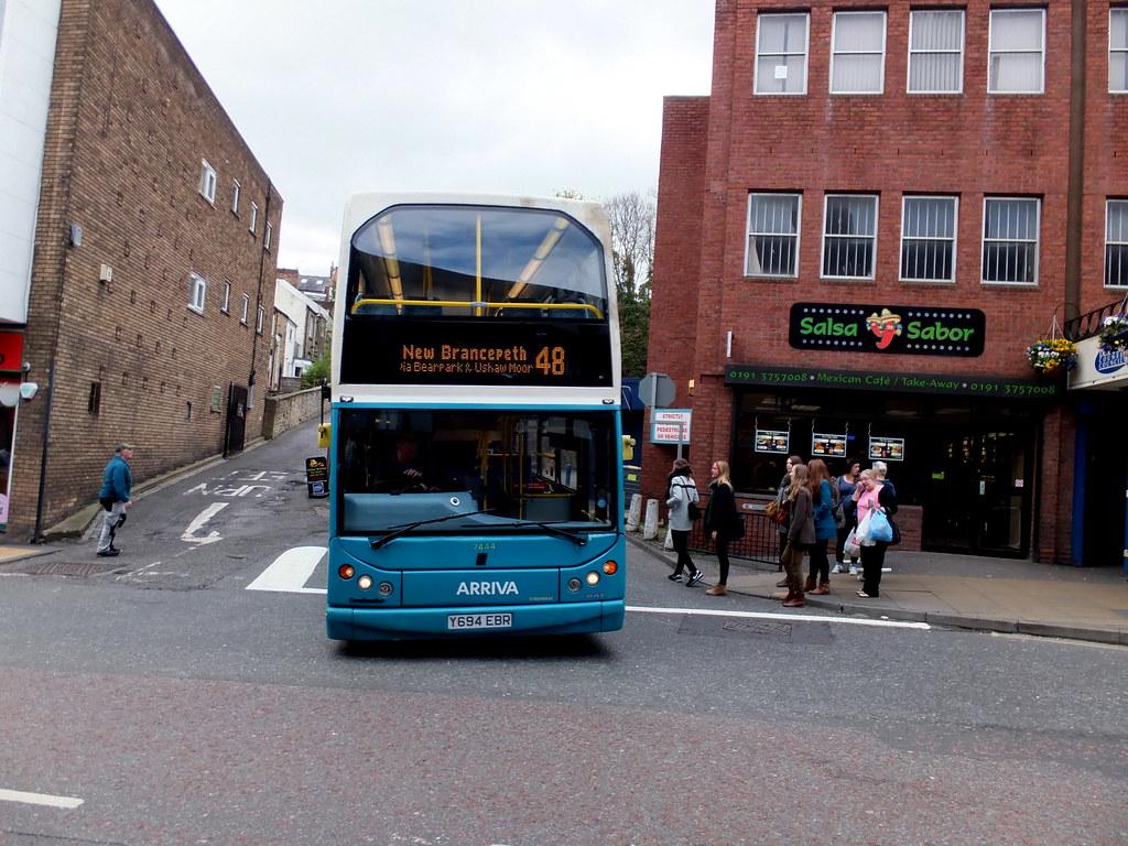 Arriva 7444 Y694 Ebr Leaves Durham Bus Station On Route Flickr