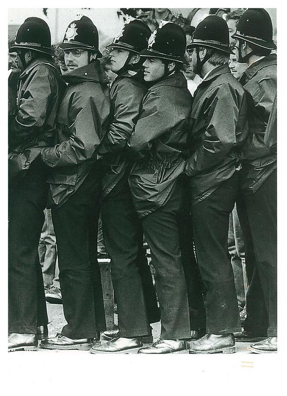 Police - UK - NL-2443261
