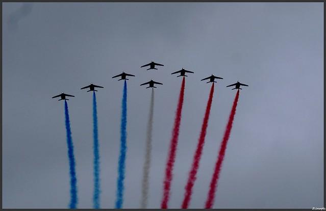 Le cinquantenaire de l'AETA. Passage de la patrouille de France.