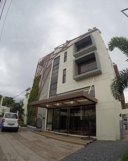 Ferra Hotel facade