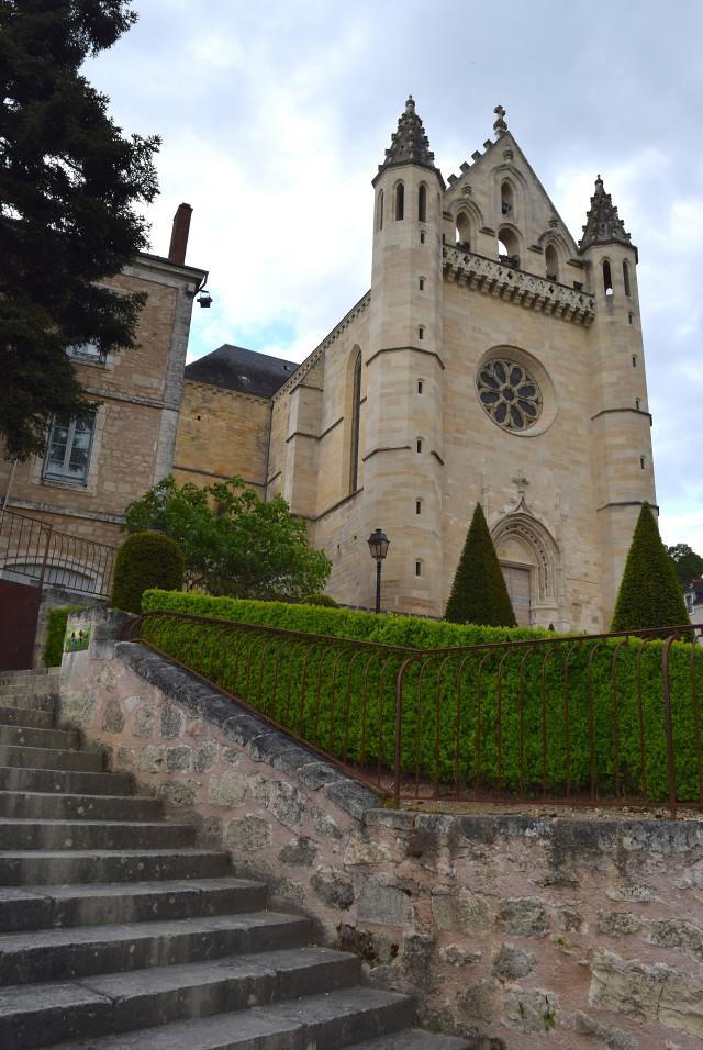 Church in Terrasson, Aquitaine | www.rachelphipps.com @rachelphipps