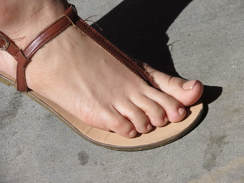 Bare soles and toes at the college union - 3 part 6