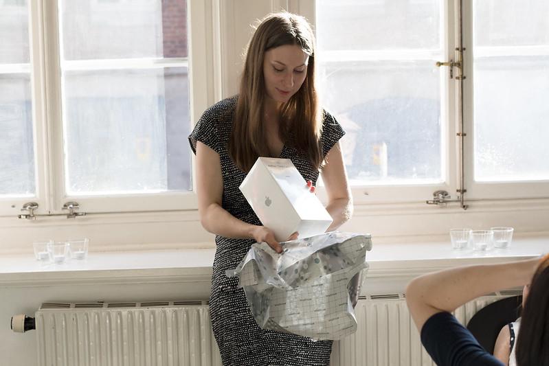 gift unwrap