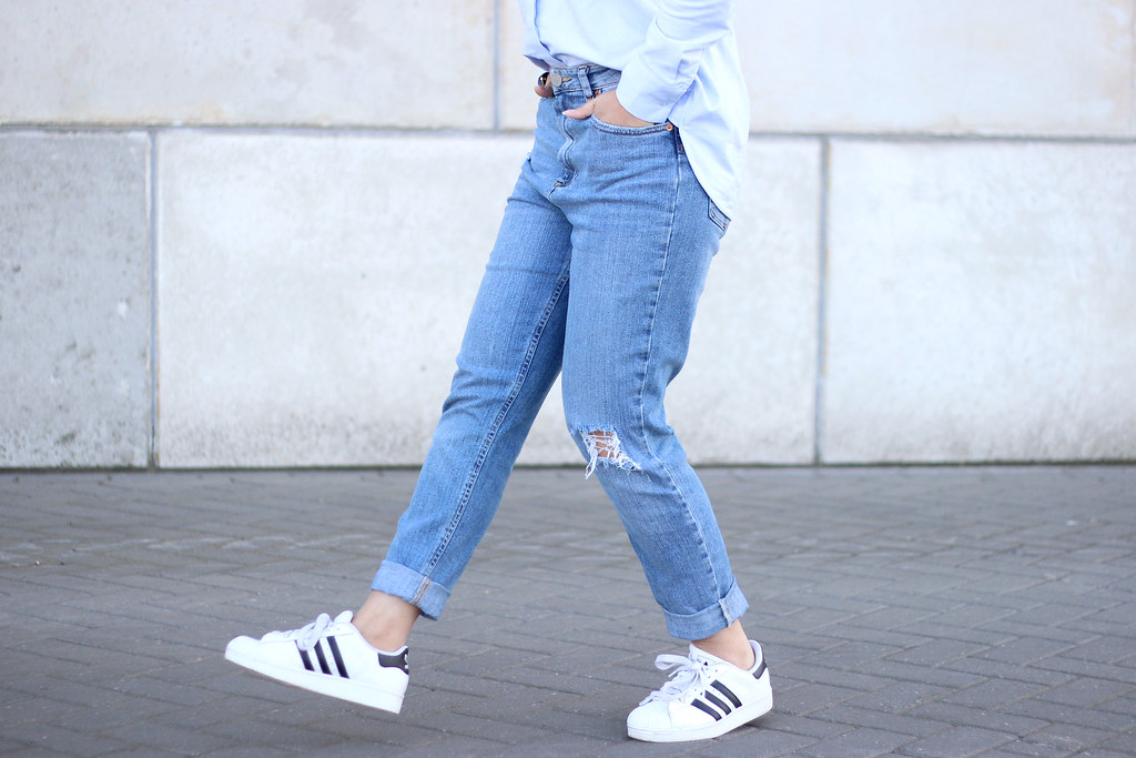 adidas superstar with jeans