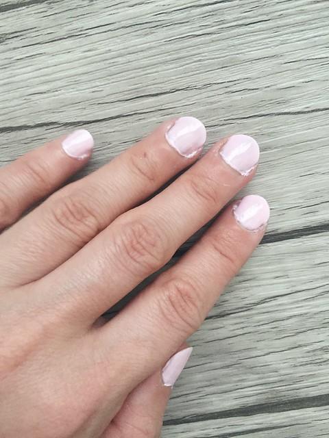 Untitled,Untitled, favorite, best, suosikki, paras, the best, kynsilakka, nail polish, for summer, kesä, pastel, pastellinen väri, color, hempeä, suloinen, sweet, pinkki, pink, shade, sävy, favorite pastel nail polish for summer, suosikki pastellinen kynsilakka kesäksi, essie, romper room, essie vaaleanpunainen kynsilakka, meikit, makeup, kauneus, beauty,