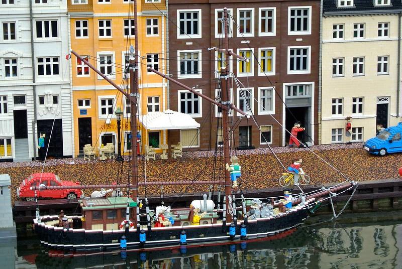 Miniland Ship