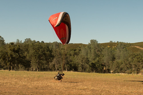 Tyler Landing on his Knees with a Blackhawk Airmax 220 Paramotor | by goingslowly