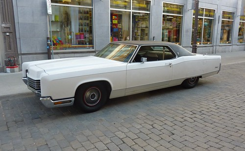 1970 Lincoln Continental | by 1970_Lincoln_Continental