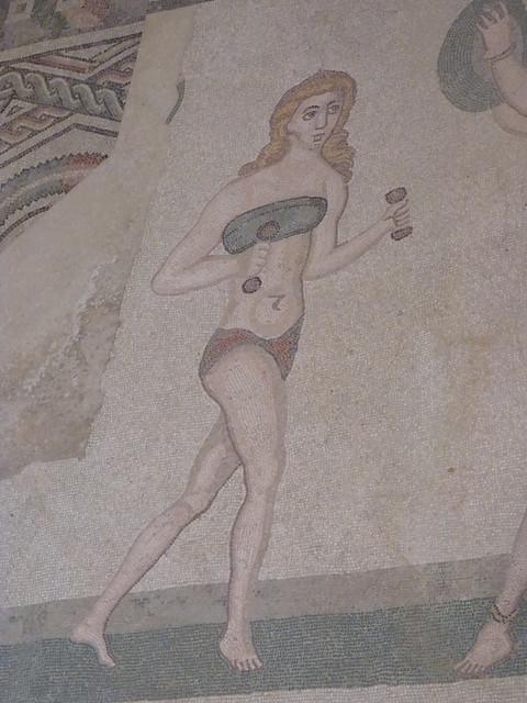 Bikini Mädels in Villa Romana del Casale (2)