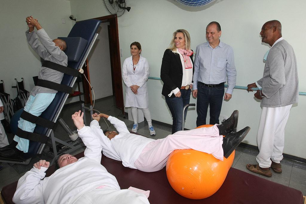 Resultado de imagem para fotos da visita do ministro da saúde a casa de saúde joão lima em cornélio procópio