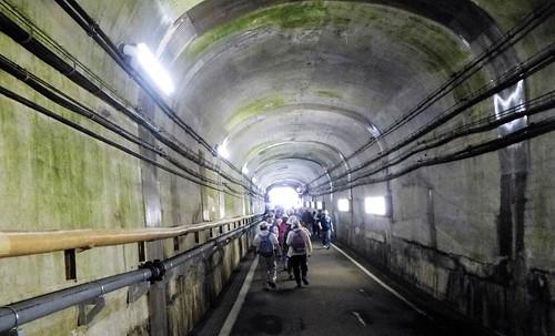 jp16-Kurobe Dam-trolley bus (2)